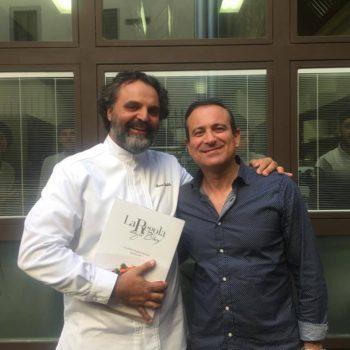 Flavio Nuti aaccolto da Marco Stabile al ristorante 'Ora d'Aria'