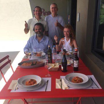 Luca e Flavio Nuti accolgono a pranzo nella nuova cantina lo Chef Marco Stabile del ristorante 'Ora d'Aria' di Firenze